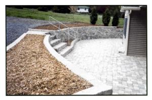Blockwall & patio